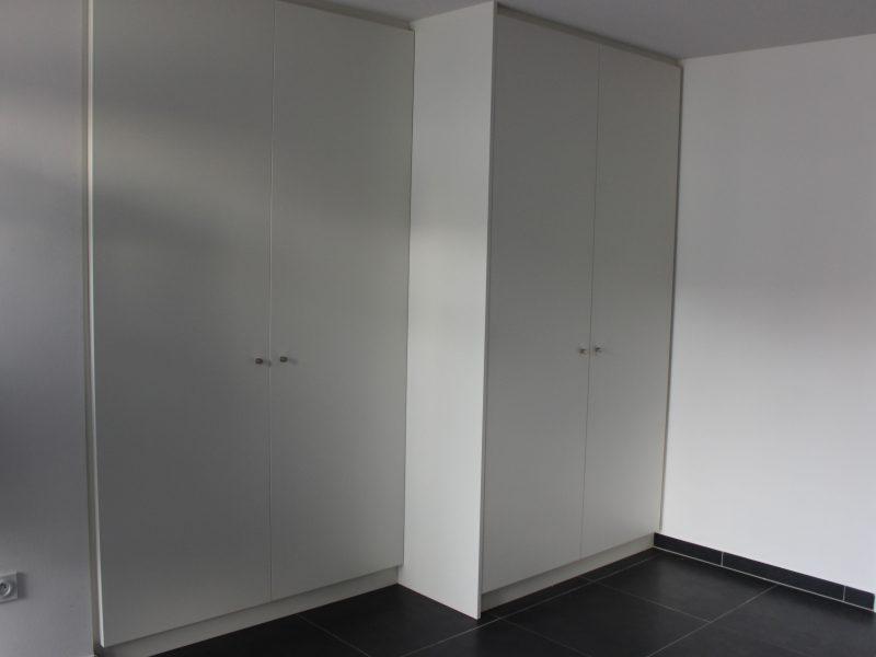 Placard blanc sur mésure realisé à Strasbour en style contemporain
